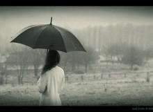 А прошлое как дождь осенний