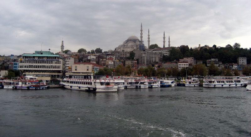 Вид на Стамбул с пролива Босфор. фото: http://prospekt-desires.ru/