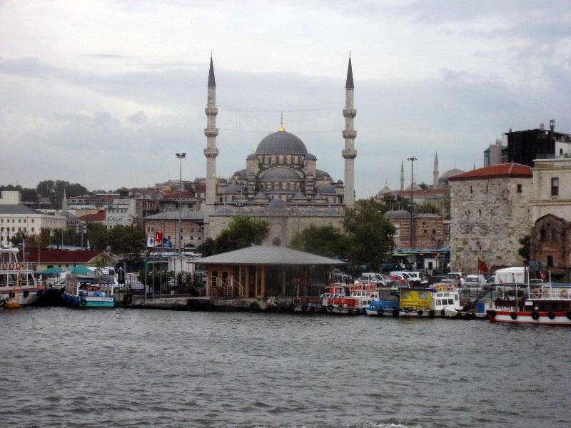 Стамбул. Вид на город с пролива. Фото: http://prospekt-desires.ru/