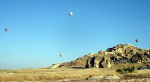 Воздушные шары  над Каппадокией  на рассвете, фото: http://prospekt-desires.ru/