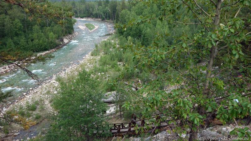 Река Алла, лестница, ведущая к источнику