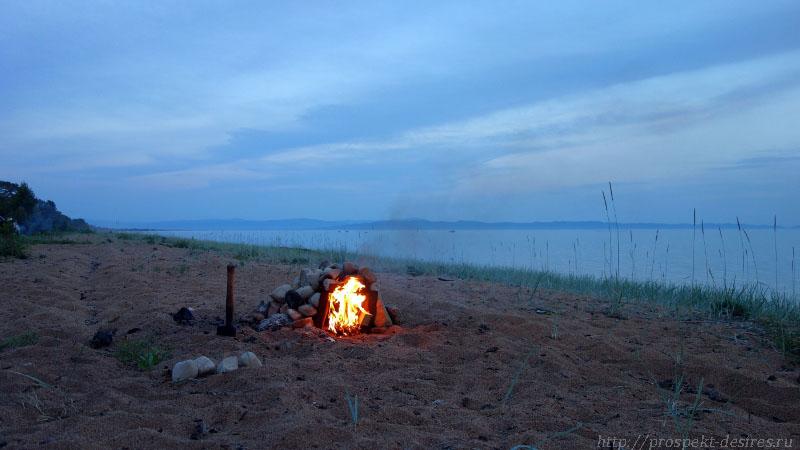 На пляже Баргузинского залива к ночи будет баня