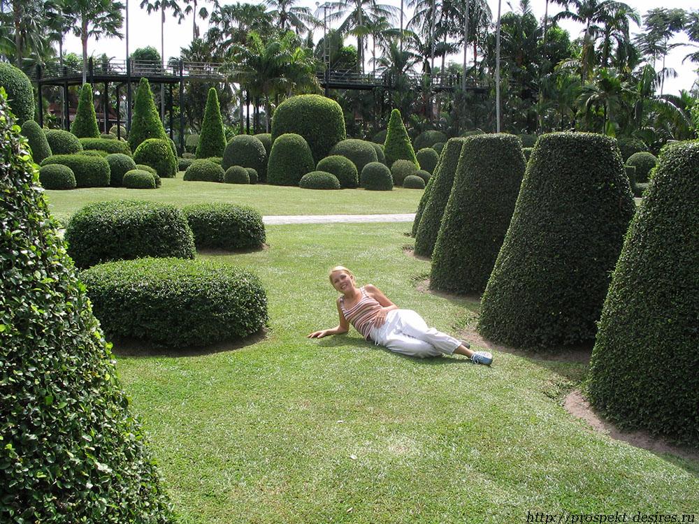 В саду Нонг Нуч в Патайе