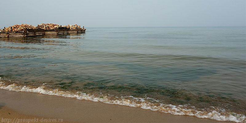 Песчаный пляж в урочище Песчаное, остров Ольхон