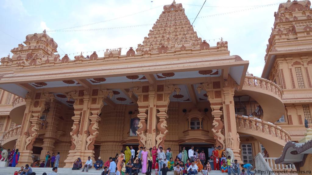 Храмы в Дели
