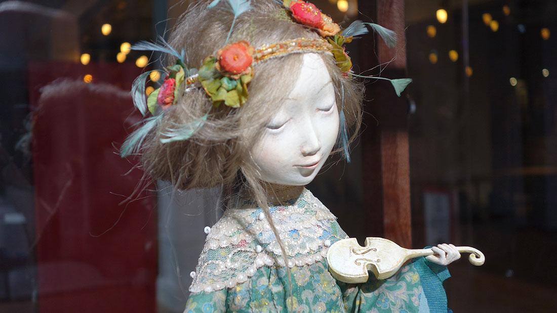 Скрипачка, кукла семьи Намдаковых