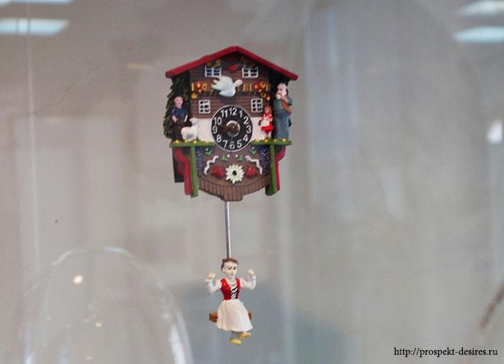 """Часы сувенирные-""""шварцвальдки"""", Германия, 2009 год"""