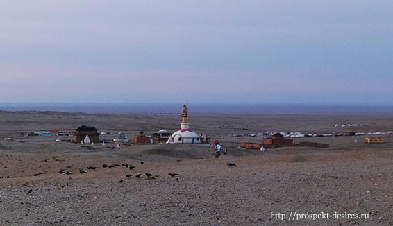 монастырь Хамрин Хийд в пустыне Гоби