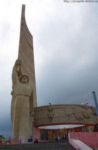 Зайсан памятник советскому солдату