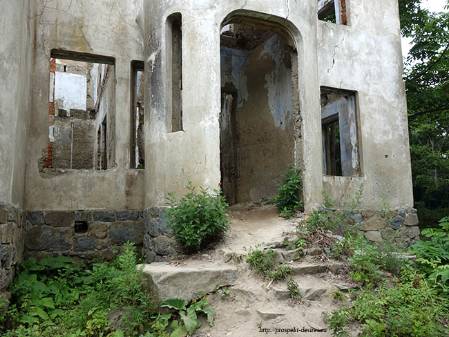 дом Янковского в бухте Витязь Приморье