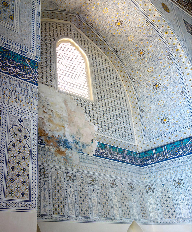 Внутри мечети Баби Ханым в Самарканде