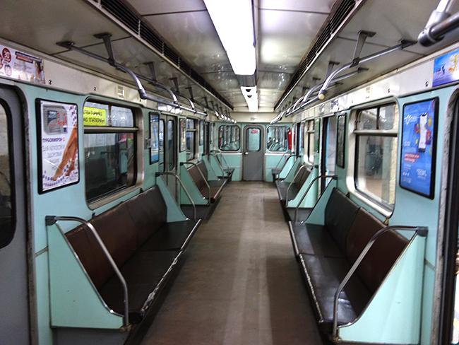 пустое ташкентское метро